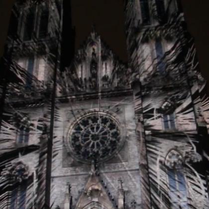 Úžasný videomapping na kostele sv. Ludmily