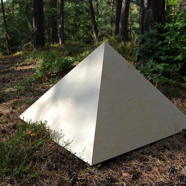 Pyramidy a energetické zářiče