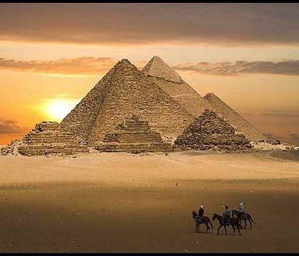 Knihy o pyramidách