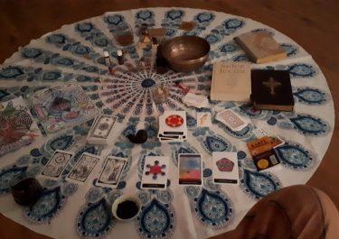 Výklad karet a věštba pro rok 2019 + Novoroční soutěž Ladírny…